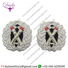 Blazer Badge badge crossed tipstave in silver wreath red tips